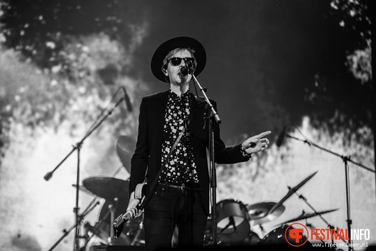 Beck op Rock Werchter 2016 - Zondag foto