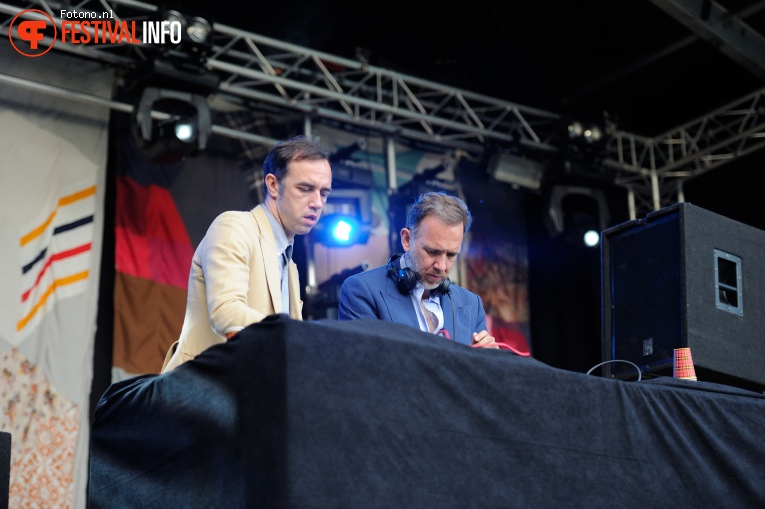 Foto 2manydjs op Welcome To The Village 2016 - Zondag