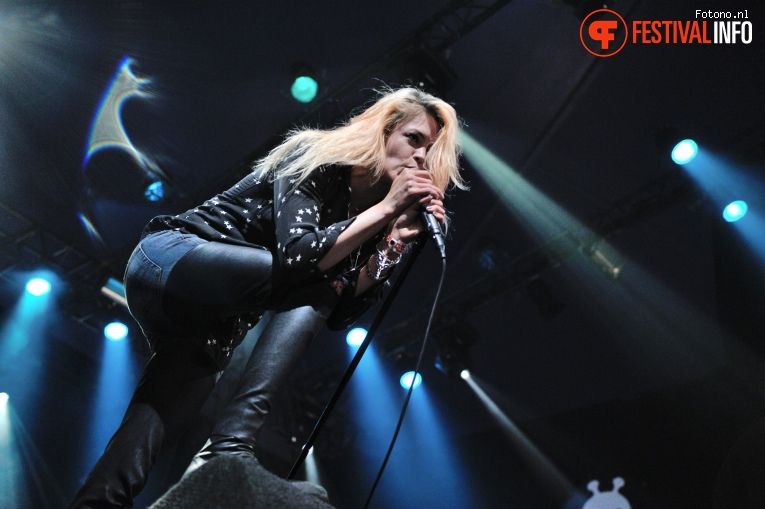 The Kills op Lowlands 2016 - Vrijdag foto