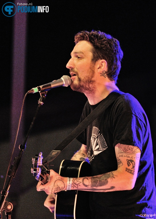 Foto Frank Turner & The Sleeping Souls op Frank Turner & Sleeping Souls - 05/09 - Openlucht Theater Amsterdamse Bos