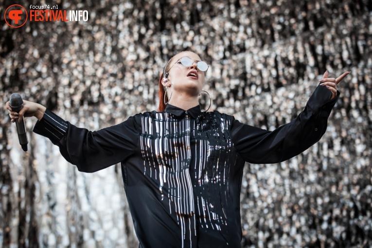 Jess Glynne op Lollapalooza Berlijn 2016 - Zaterdag foto