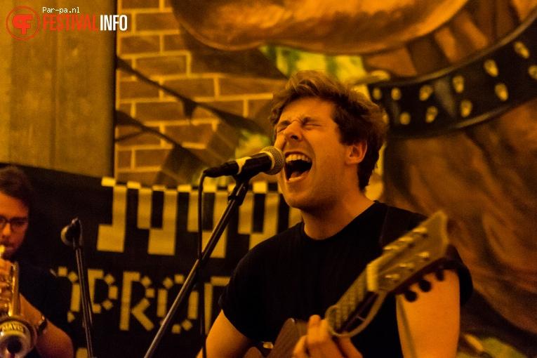 Stuart Mavis op Popronde Leiden 2016 foto