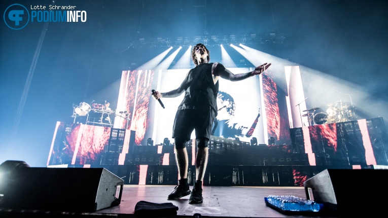 Foto Bring Me The Horizon op Bring Me The Horizon - 13/11 - Heineken Music Hall