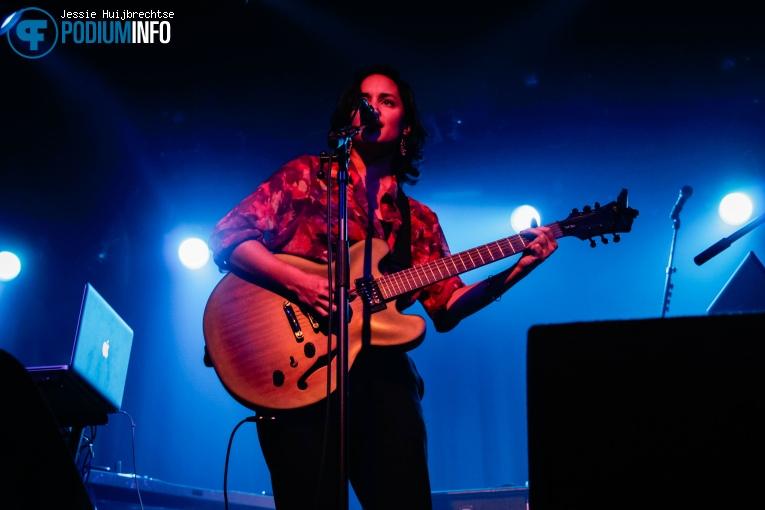 Francesca Pichel op The Veils - 24/11 - Melkweg foto