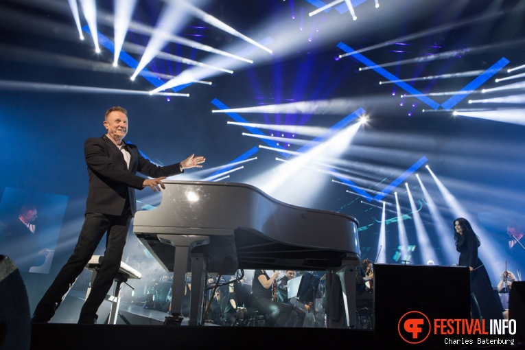 Foto John Miles op Night Of The Proms - 19/11 - Ahoy
