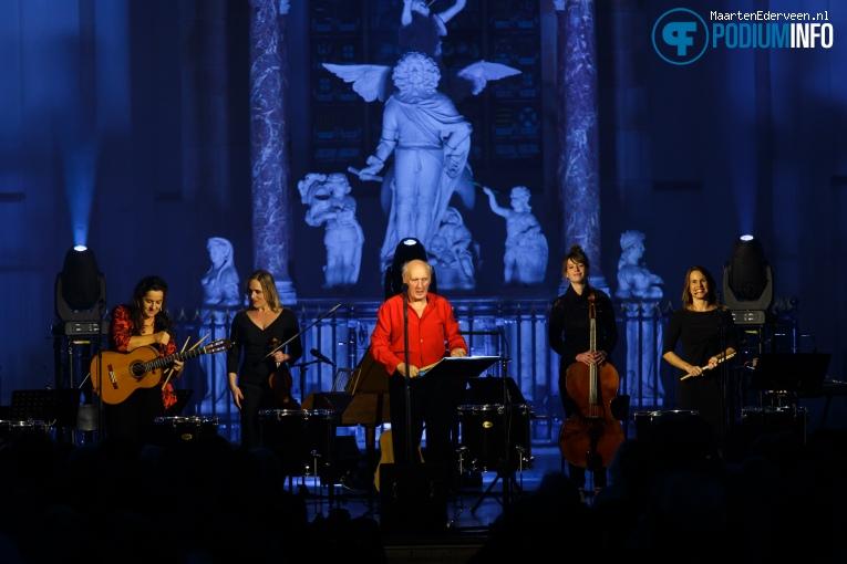 Foto Herman van Veen op Herman van Veen Kerstconcert - 18/12 - Grote Kerk Den Haag