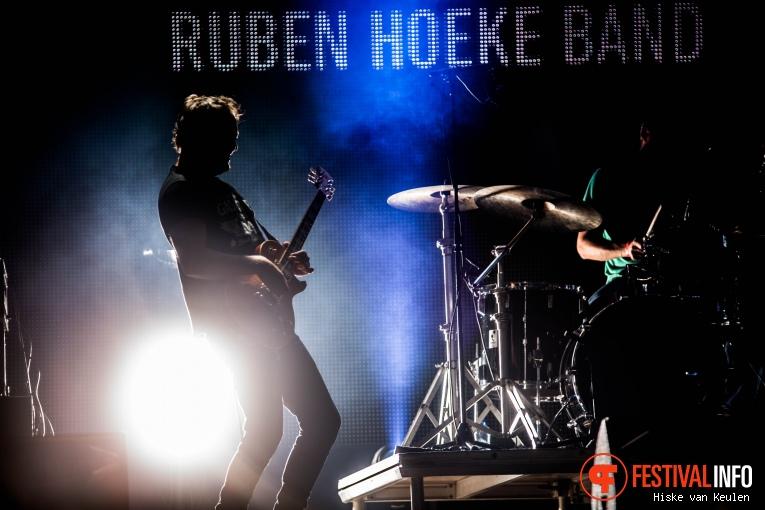 Foto Ruben Hoeke Band op Ribs & Blues 2017