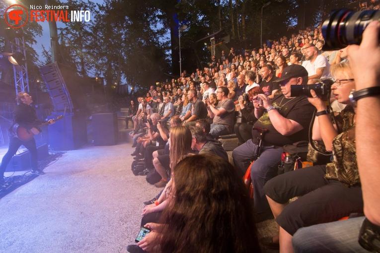 Foto Anathema op Midsummer Prog Festival 2017