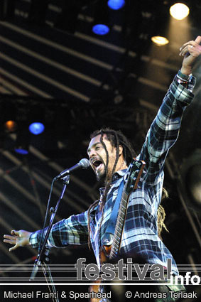 Michael Franti & Spearhead op Lowlands 2003 foto