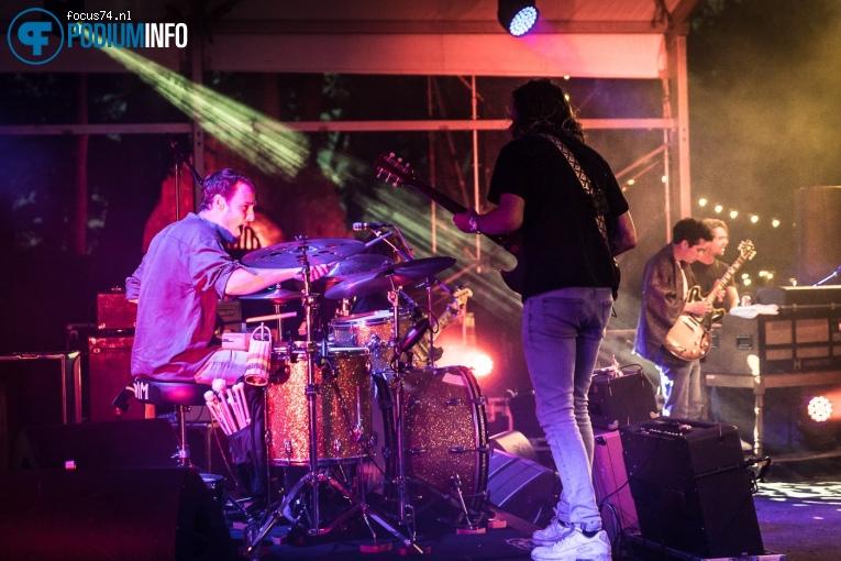 Jett Rebel op Metropool Open Air met Jett Rebel - 08/07 - Openluchttheater Hertme foto