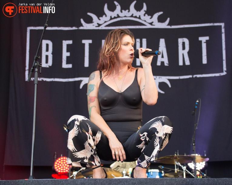Beth Hart op Bospop 2017 - Zaterdag foto