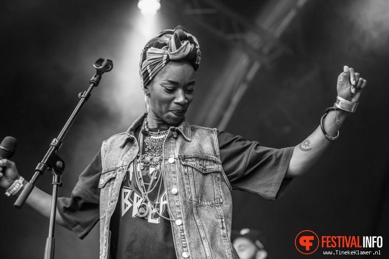 Sabrina Starke op Zwarte Cross 2017 foto