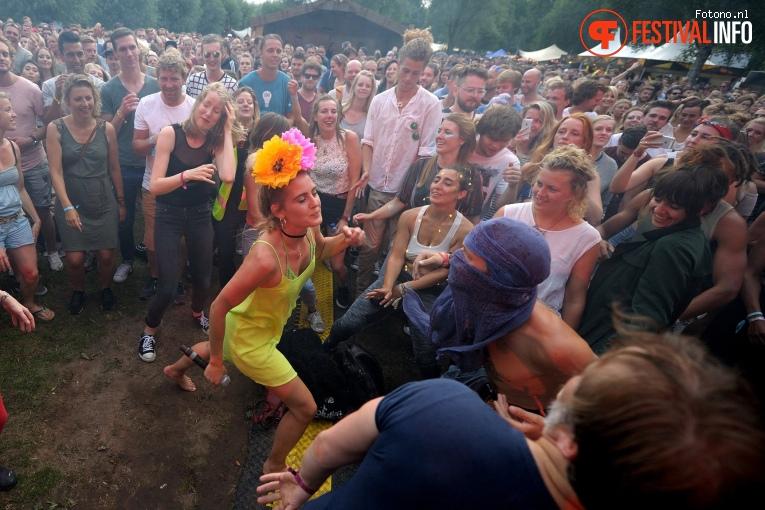 Skip & Die op Welcome To The Village 2017 - Zaterdag foto