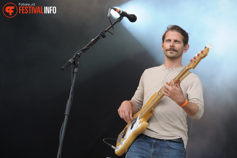 Mighty Oaks op Welcome To The Village 2017 - Zondag foto