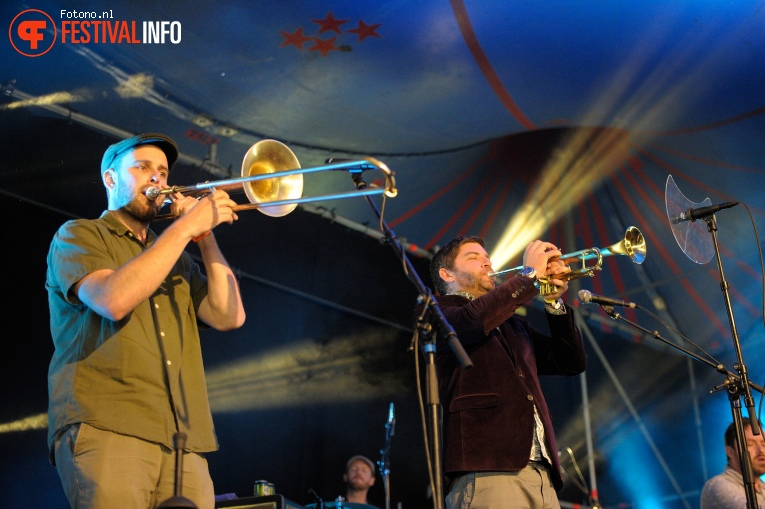 Monophonics op Welcome To The Village 2017 - Zondag foto