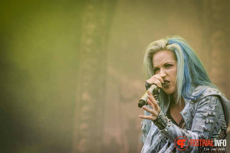 Arch Enemy op Into The Grave 2017 - Zaterdag foto