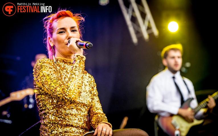 Marta Ren & the Groovelvets op Zomerparkfeest 2017 - Zondag foto