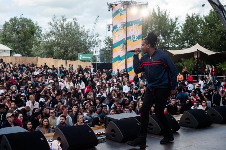 Foto Jonna Fraser op Encore Festival 2017