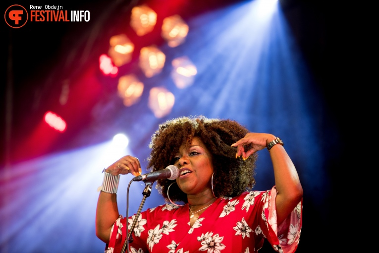Foto Michelle David & The Gospel Sessions op Bluesrock Tegelen 2017