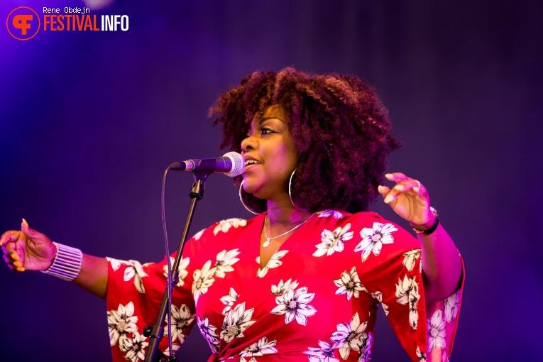 Foto Michelle David & The Gospel Sessions op Bluesrock Tegelen 2017