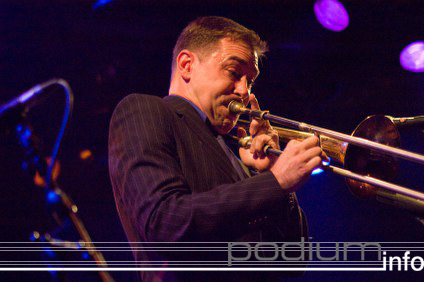 Foto The Slackers op The Slackers - 02/12 - Melkweg