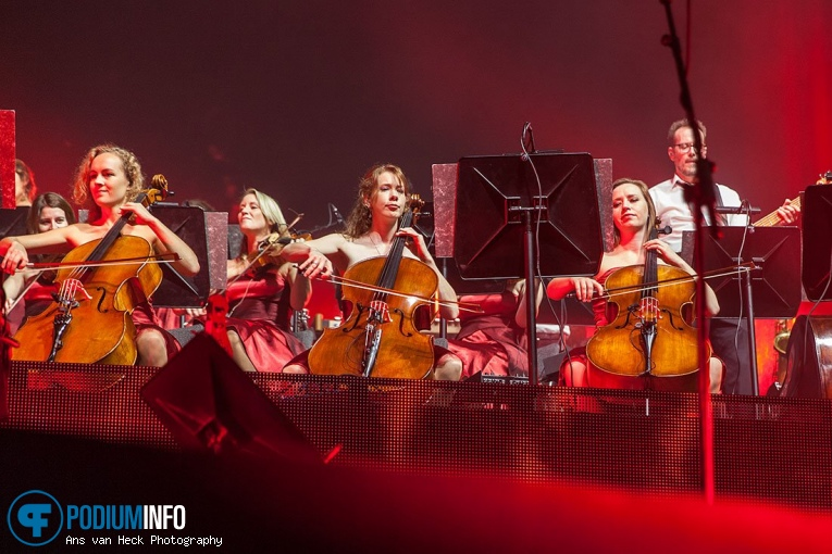 Guido's Orchestra op Symphonica in Rosso met Simply Red - 25/10 - Ziggo Dome foto
