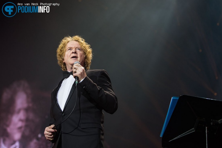 Simply Red op Symphonica in Rosso met Simply Red - 25/10 - Ziggo Dome foto