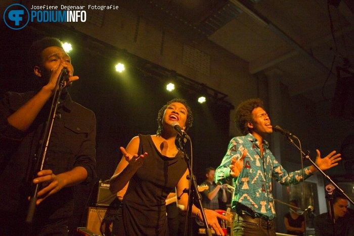 Foto Jeangu Macrooy op Jeangu Macrooy - 1/12 - Fluor