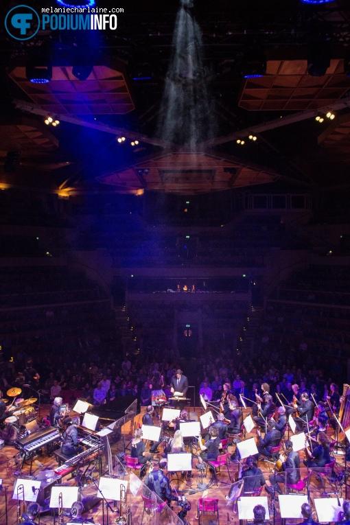 Metropole Orkest op Caro Emerald / Metropole Orkest - 18/12 - TivoliVredenburg foto
