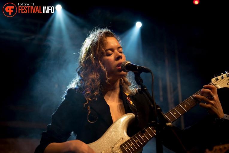 Nilüfer Yanya op Eurosonic Noorderslag 2018 - Woensdag foto