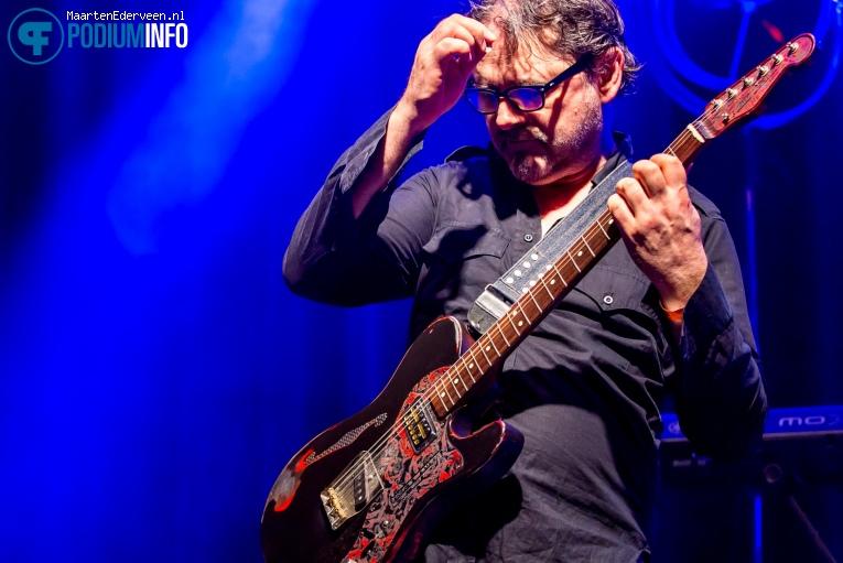 Foto John Illsley & Band op John Illsley of Dire Straits - 10/03 - Boerderij