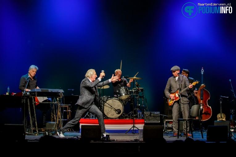 Nits op Freek de Jonge Neerlands Hoop in Concert - 13/02 - Carré foto