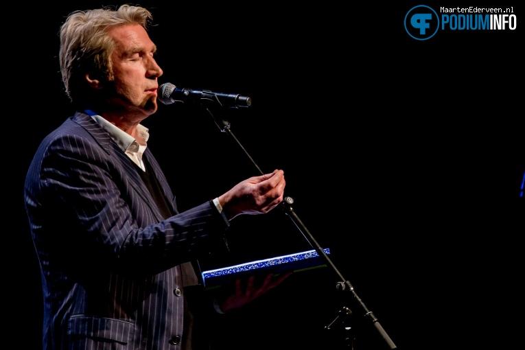 Frank Boeijen op Freek de Jonge Neerlands Hoop in Concert - 13/02 - Carré foto