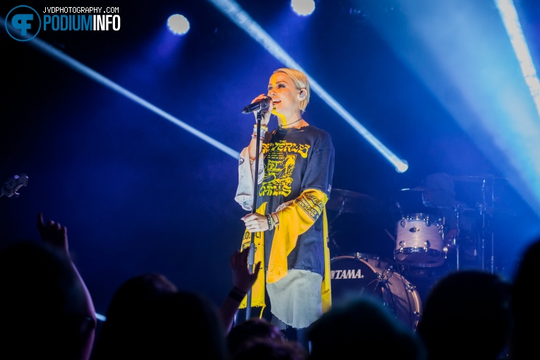 Foto Tonight Alive op Tonight Alive - 16/3 - Melkweg