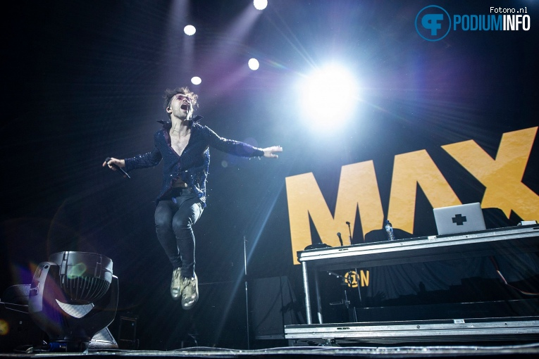 MaX op Fall Out Boy - 04/04 - AFAS Live foto