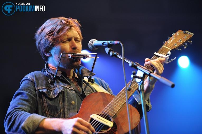 Matthew Crosby op Jacqueline Govaert - 13/04 - Paradiso foto