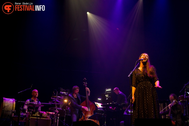 The Colorist Orchestra ft. Lisa Hannigan op Naked Song Festival 2018 foto