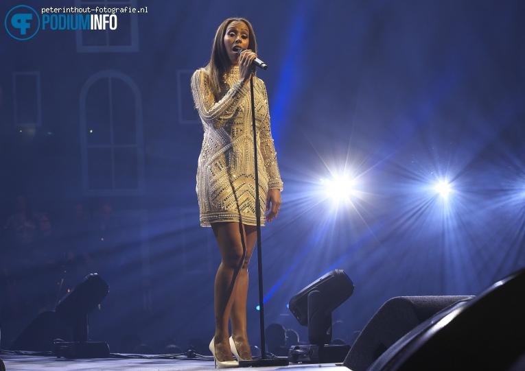 Glennis Grace op Holland Zingt Hazes - 20/04 - Ziggo Dome foto