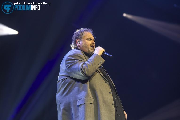 Peter Beense op Holland Zingt Hazes - 20/04 - Ziggo Dome foto
