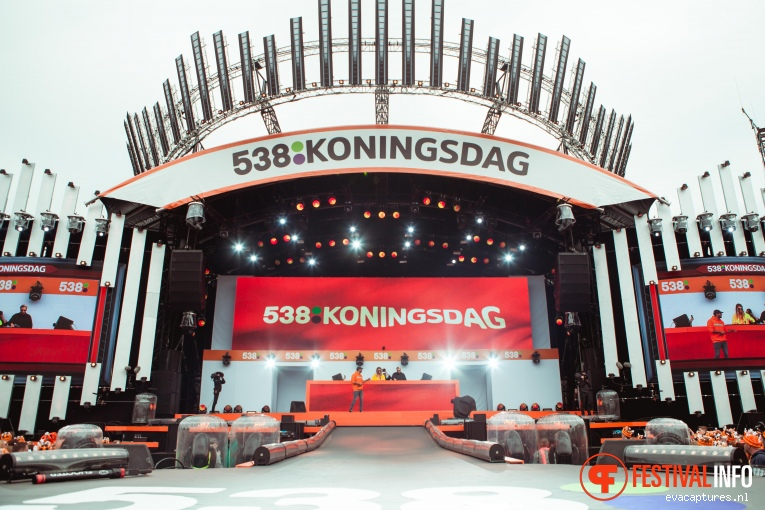 Kris Kross Amsterdam op 538 Koningsdag 2018 foto