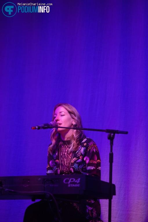 Foto Lauren Jones op Anastacia 23/04 - Paradiso