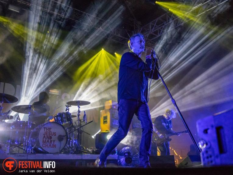 Foto The Jesus And Mary Chain op Wave Gotik Treffen 2018