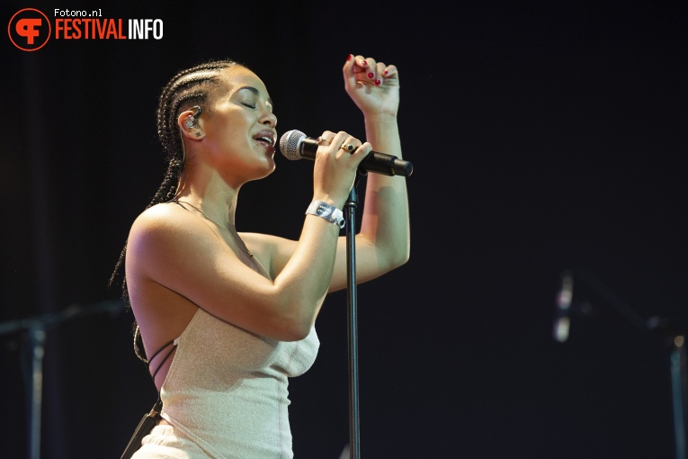 Foto Jorja Smith op Down The Rabbit Hole 2018 - Vrijdag