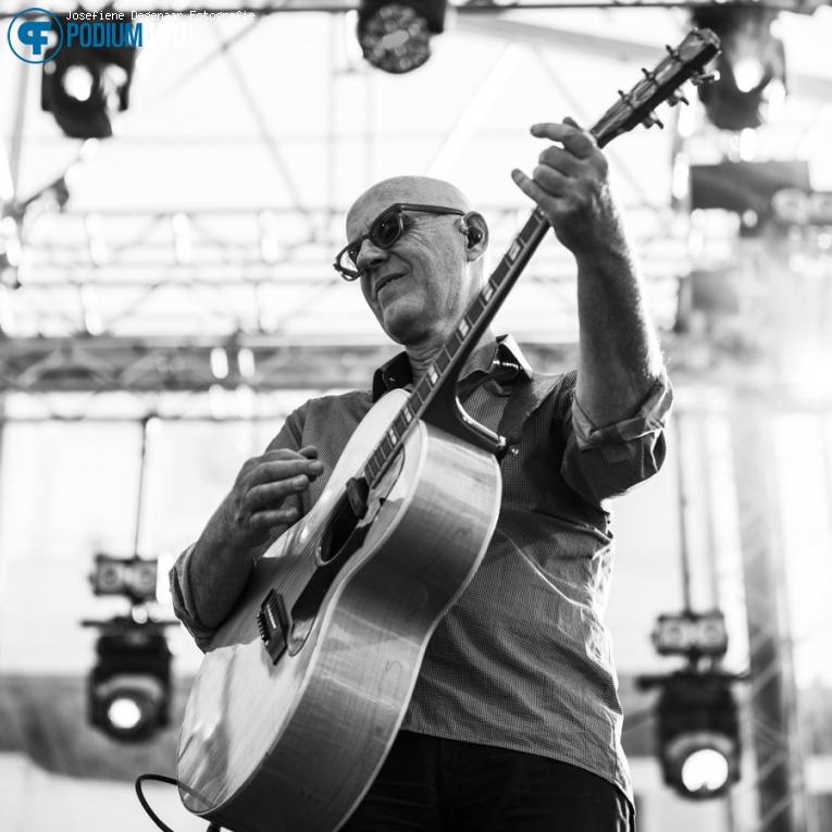Foto De Dijk op Elvis Costello / De Dijk - 05/07 - Paleis Soestdijk