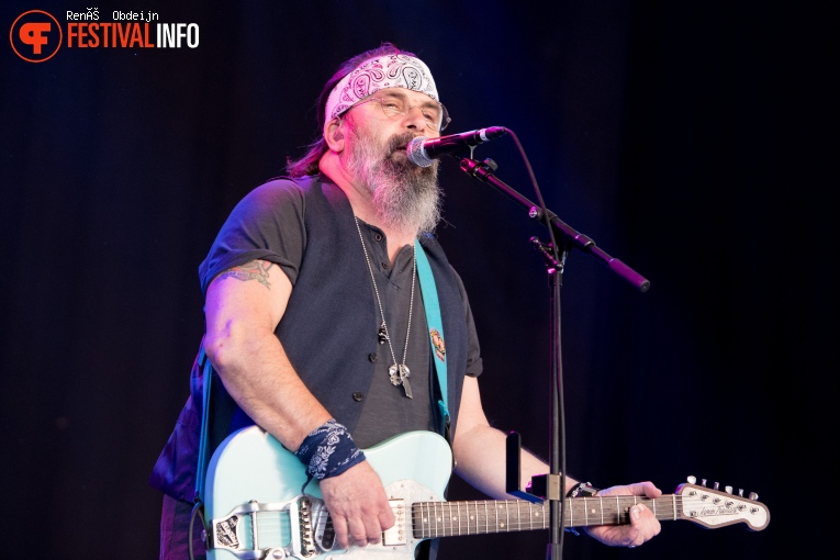 Steve Earle and the Dukes op Bospop 2018 foto