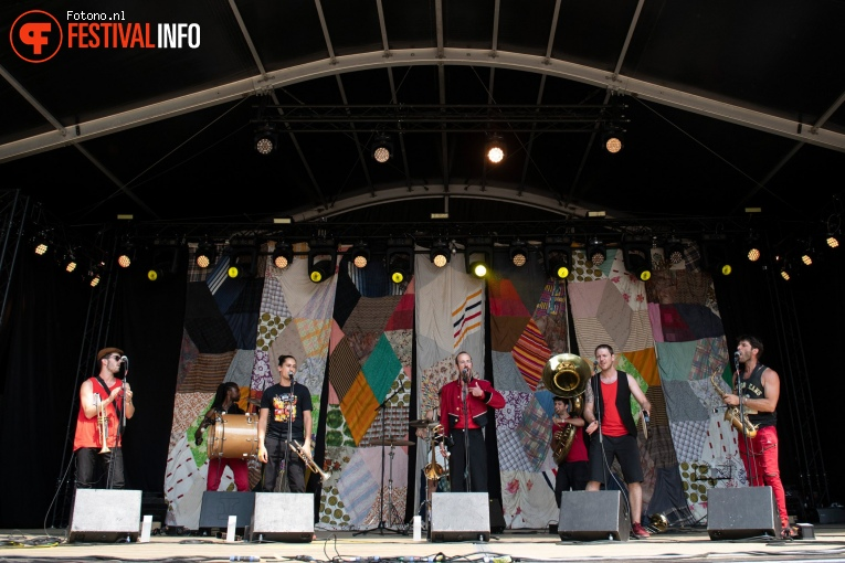 Les Fanflures op Welcome To The Village 2018 - zaterdag foto