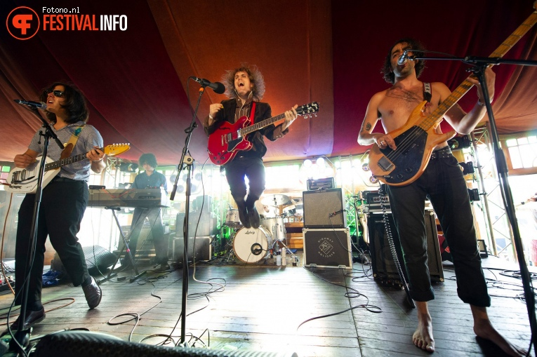 The Mystery Lights op Welcome To The Village 2018 - zaterdag foto