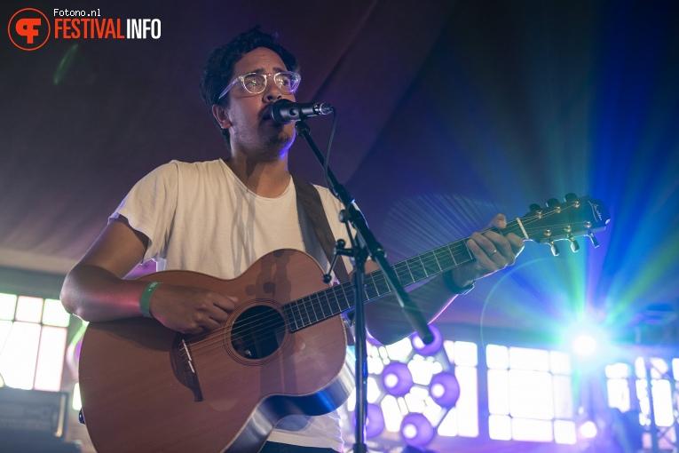 Luke Sital-Singh op Welcome To The Village 2018 - zondag foto