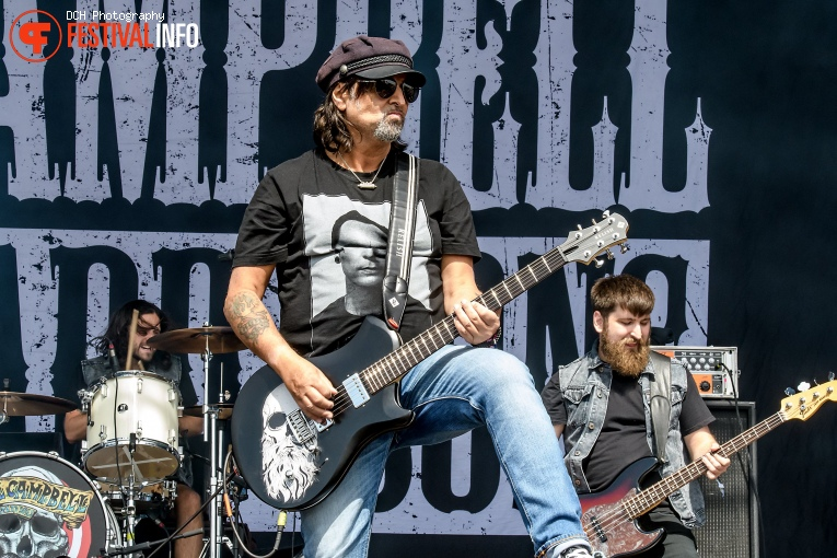 Phil Campbell And The Bastard Sons op Alcatraz 2018 foto