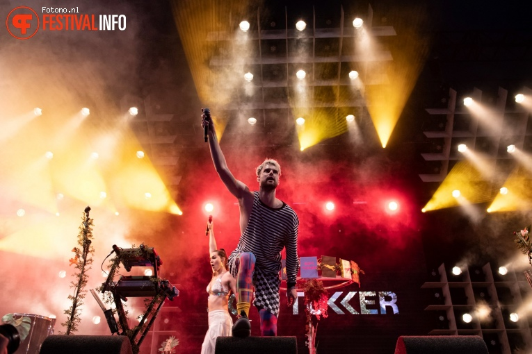 Sofi Tukker op Lowlands 2018 - Zaterdag foto